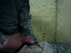 US Army Soldier Masturbating in Iraq free