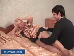 Chubby Mature Mother Gets Hard Teen Amateur Cock - muvease.com free