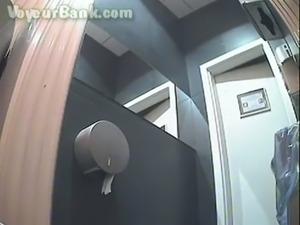 toilet spycam - XVIDEOS.COM free