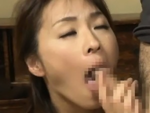 Wild fuck for sexy Asian mom