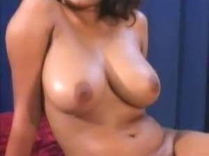 Indian Babe Sanjana Gets Massaged & Fucked
