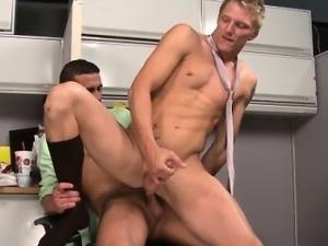 Muscled hunk jocks in cubicle butt fuck