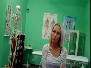 Hot blonde pussy fucked by fake doc on examining table free