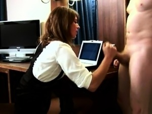 CFNM office lady gives footjob to her supervisor