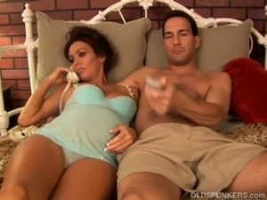 Pregnant mature pornstar Nancy Vee is a hot fuck free