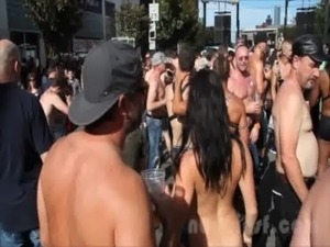 Nude in San Francisco does the Folsom Street Fair 2013 free