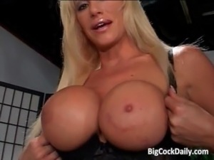 Busty blonde bimbo sucking penis free