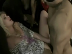 Horny CFNM amateur babes plowed roughly by strippers