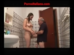 ragazza troia scopa con vecchio porcoslutty girl fucks with old pig free