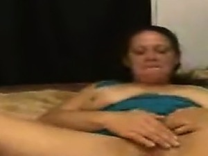 Amateur Whore Masturbating