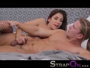StrapOn Rachel Evans pegging her ponytailed boyfriend free
