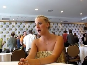 Kaley Cuoco At Comic Con