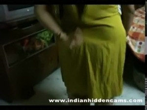 bigtits mature indian bhabhi getting naked taking shower free