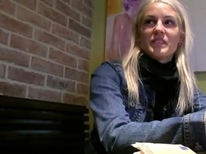 European Beata got laid inside coffee shops toilet