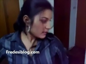 Desi Girl and Boy Enjoy in Hotel Room With Hindi Audio free