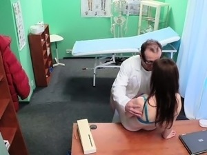 Doctor eats and fucks pussy to known patient