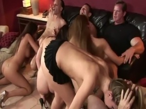 Putas en una orgia free