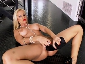 Busty pussy ass squirt