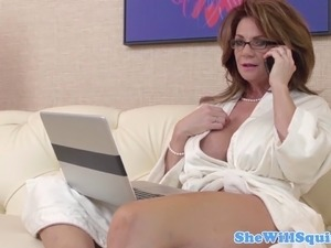 Mature busty squirter with an old shaved pussy
