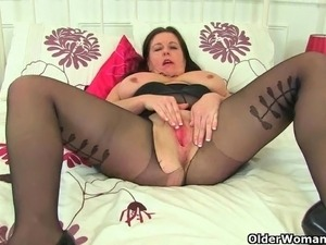 British milf Louise Bassett's pussy needs a good fingering