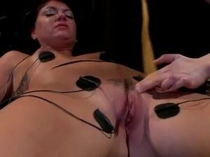 Female domination lesbo 3some together with moth Sitting And dildoing For...