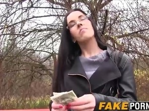 Sexy babe with glasses gets her pussy smashed against a tree