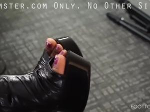 Mz ATL Thick Dream Sexy Feet In Black Heels