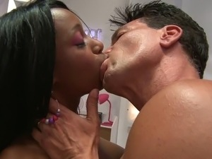 Gorgeous ebony Codi likes facial after hard banging