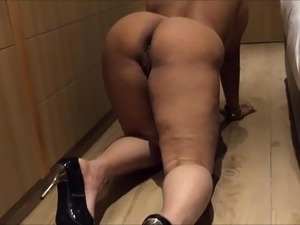 INDIAN DESI WIFE AUNTY SEXY SHOW