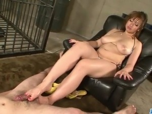 Neiro Suzuka plays with cocks while in prison