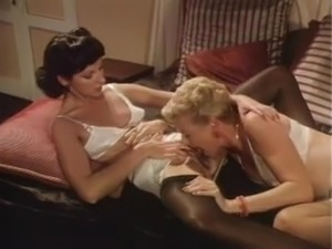 Lesbian 3some With Heels and Pantyhose