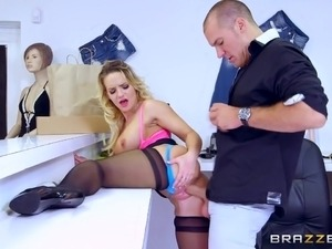 Brazzers - Cali Carter is a bad girl