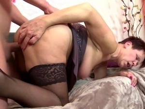Boys in bed with hungry mature mothers