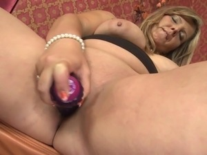 Mature chubby mom with big juicy tits