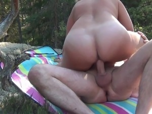 sex in the forest 2