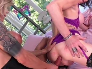 Alternative and kinky tranny sluts love deep anal sex