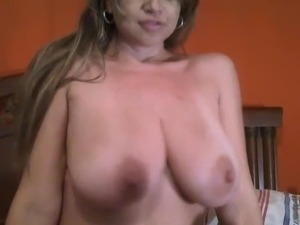Huge tits webcam MILF toying herself