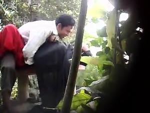 Indian peepingtom attracts motion in the playground