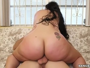 Carmen De Luz sucking dick and bouncing her booty in a cowgirl position