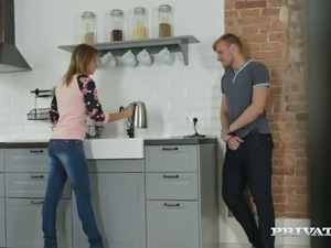 Ginger housewife Emily Thorne gets laid right in the kitchen