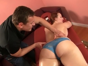 Sexy fat girl moans as a dick pounds her wet snatch