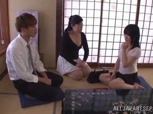 Chubby Japanese mom Kaori Sakuragi gets fondled and banged