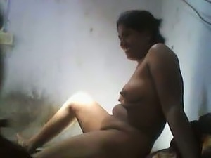Curvaceous mature bhabhi fucked on cam in the kitchen
