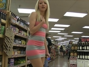 Sweet teen blonde finds a banana at the store to fuck