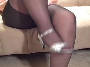 Thick Pantyhose Milf In Heels Strumpfhose