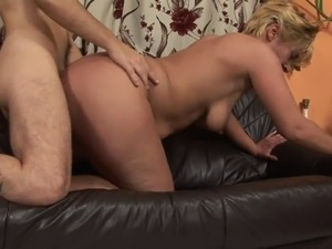 Mature slut with one leg gets pounded by a younger stud