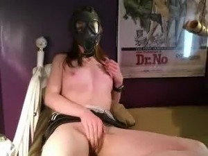 Gas mask girl bate