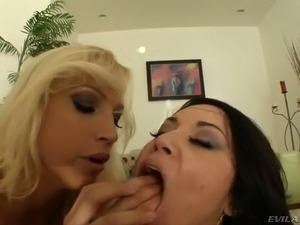 Bootylicious Caucasian babes fuck dirty in hardcore threesome
