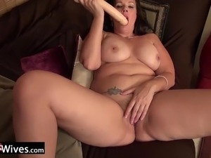 USAWiveS Curvy BBW Mature Dylan Jenn Masturbating