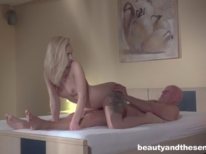 Perfect blonde called Luna gives the bald guy the access to her pussy